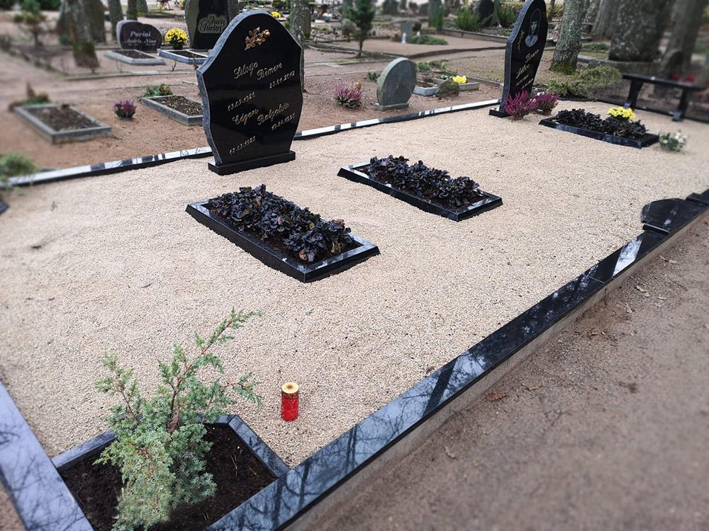 Pulēts figurāls kapu pieminekļis no melna Zviedrijas granīta